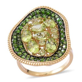 Designer Inspired- Hebei Peridot (Ovl and Rnd), Russian Diopside Ring in Yellow Gold Overlay Sterlin