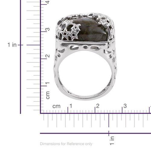 GP Labradorite (Cush 21.70 Ct), Kanchanaburi Blue Sapphire Ring in Platinum Overlay Sterling Silver 21.750 Ct.