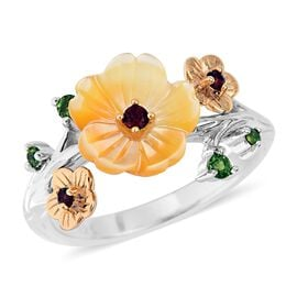 Yellow Mother of Pearl (1.33 Ct),Russian Diopside,Mozambique Garnet Sterling Silver Ring  1.510  Ct.