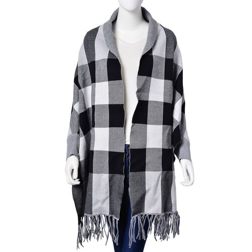 Designer Inspired - Black and  White Colour Checks Pattern Poncho with Tassels (Free Size)