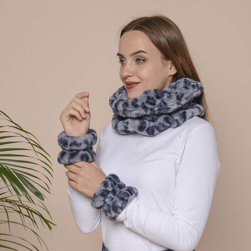 2 Piece Set - Leopard Skin Pattern Faux Fur infinity Scarf (Size 32x24cm) and Hand Cuffs (Size 9.5x12cm) - Blue