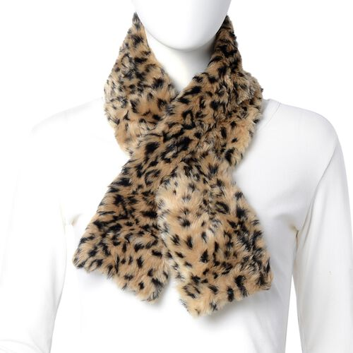 Brown Colour Leaopard Skin Pattern Faux Fur Scarf and Hat (Size 36.22x22.84x4.53 Cm)