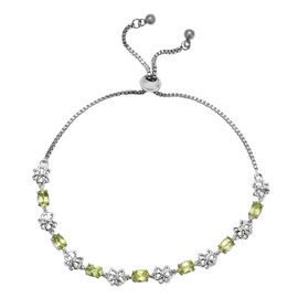 Hebei Peridot (Ovl) Butterfly Bolo Bracelet (Size 6.5 to 9.5) in Platinum Plated 3.50 Ct.