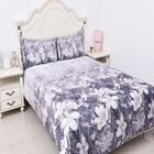 4 Piece Set - Floral Pattern King Size Comforter (220x225 Cm), Fitted Sheet (150x200+30 Cm) and 2 Pi