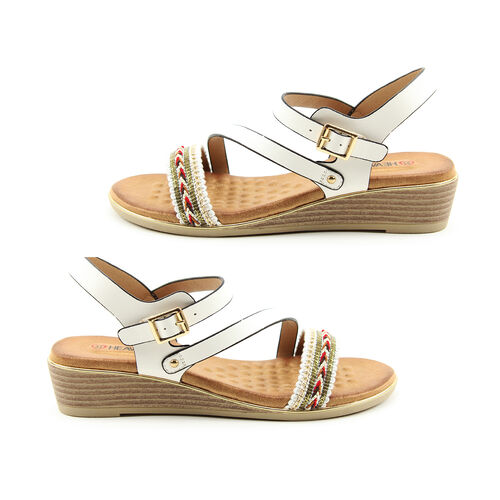 Heavenly Feet Garnet White Ladies Wedge Sandals (Size 6)