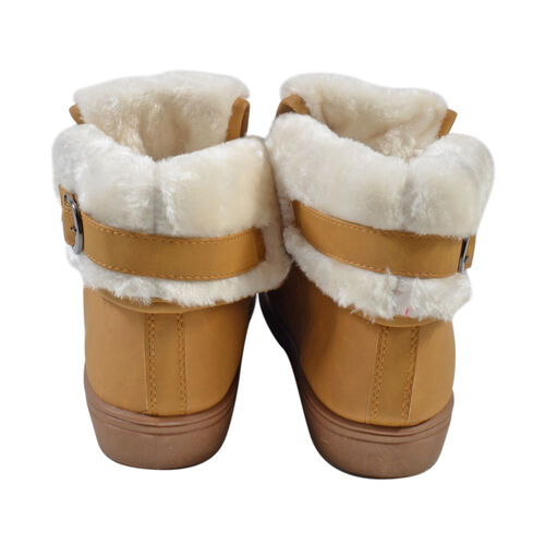 Womens Flat Faux Fur Lined Grip Sole Winter Ankle Boots (Size 7)  - Camel