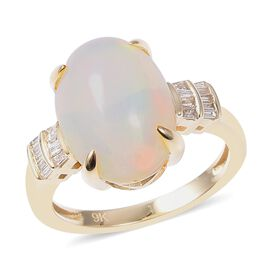 3.68 Ct Ethiopian Welo Opal and Diamond Solitaire Design Ring  in 9K Gold 2.84 Grams