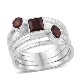 Mozambique Garnet Ring in Sterling Silver 1.780 Ct. Silver wt 5.51 Gms.