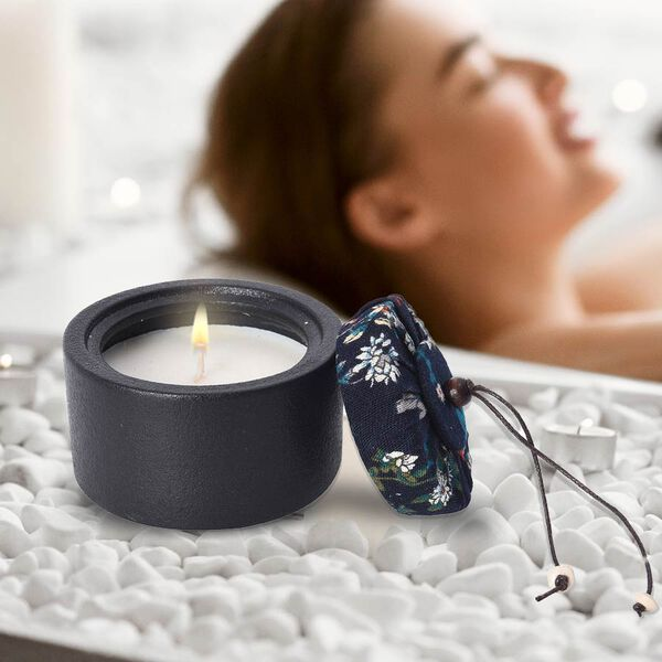 Aromatic Soy Wax  Candle in Black Ceramic Container with Gift Box (Burning Time: 20 hours) - Rose Fragrance