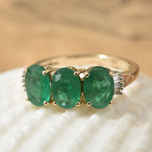 Super Auction- 9K Yellow Gold AAA Kagem Zambian Emerald (Ovl 7x5mm) and Diamond Ring 2.250 Ct.