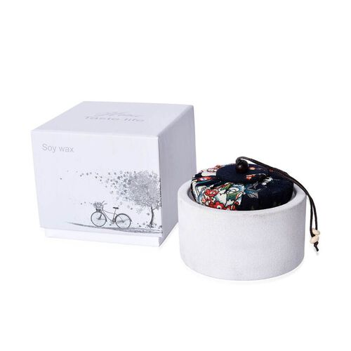Aromatic Soy Wax Candle in White Ceramic Container with Gift Box (Burning Time: 20 hours) - Freesia