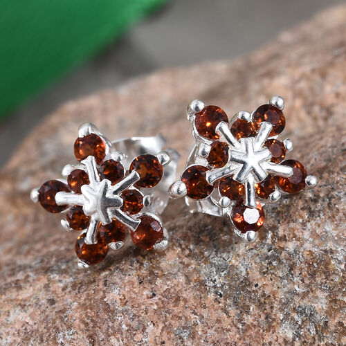 Mozambique Garnet (Rnd) Stud Earrings (with Push Back) in Sterling Silver