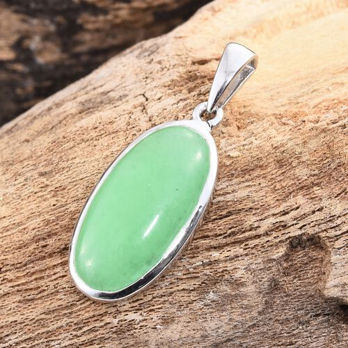 Green Jade (Ovl) Solitaire Pendant in Platinum Overlay Sterling Silver 9.000 Ct.
