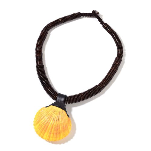 Hand Crafted Yellow Shell Necklace (Size 18) 341.000 Ct