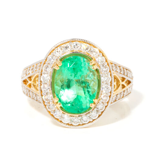 ILIANA 18K Yellow Gold AAA Boyaca Colombian Emerald, Diamond (SI-G-H) Ring 3.290 Ct, Gold wt 5.32 Gms.