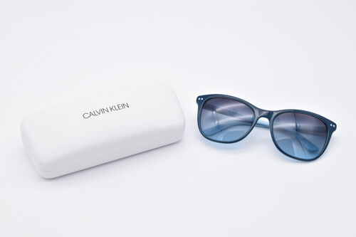 CALVIN KLEIN Blue Cat-Eye Sunglasses with Blue Lenses