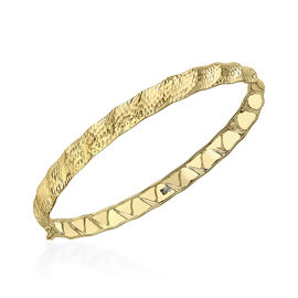 Hatton Garden Close Out Deal- 9K Yellow Gold Designer Diamond Cut Bangle (Size 7.5), Gold wt. 3.20 G