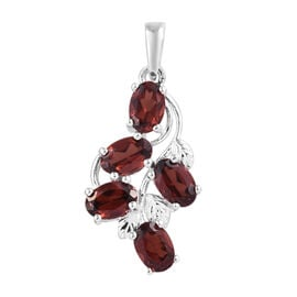 Mozambique Garnet (Ovl) Pendant in Sterling Silver 2.750 Ct.