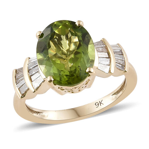 Collectors Edition - 9K Yellow Gold Extremely Rare Size AAA Hebei  Peridot (Ovl 3.3 Ct), Diamond Ring 3.830 Ct.
