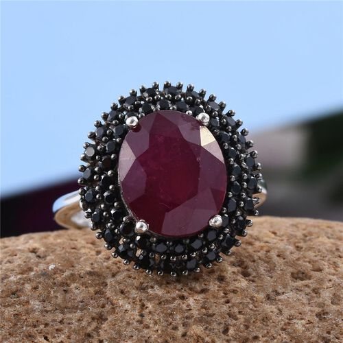 African Ruby (Ovl 6.75 Ct), Boi Ploi Black Spinel Ring in Platinum Overlay Sterling Silver 7.500 Ct.