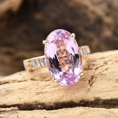 ILIANA 18K Yellow Gold AAA Kunzite (Ovl 9.05 Ct), Diamond (SI/G-H) Ring 9.250 Ct, Gold wt 6.40 Gms.