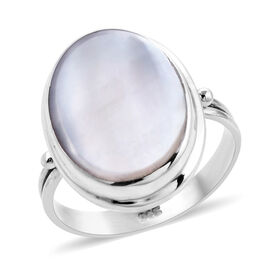 Mother of Pearl (Ovl) Solitaire Ring in Sterling Silver, Silver wt 5.00 Gms