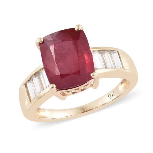 5.5 Ct AA African Ruby and Cambodian Zircon Solitaire Design Ring in 9K Gold 2.24 Grams