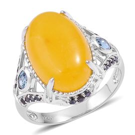 Honey Jade (Ovl 12.50 Ct), London Blue Topaz and Boi Ploi Black Spinel Ring in Platinum Overlay Sterling Silver 13.530 Ct.