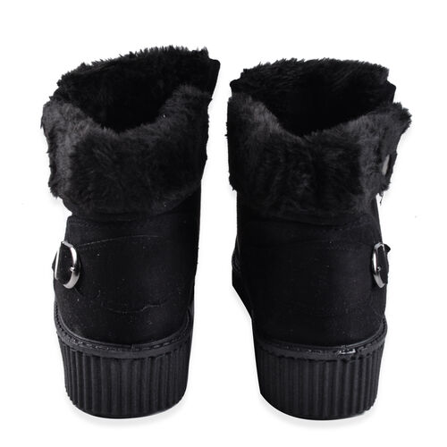Solid Black Faux Fur Lined Lace-Up Ankle Boots (Size 4)