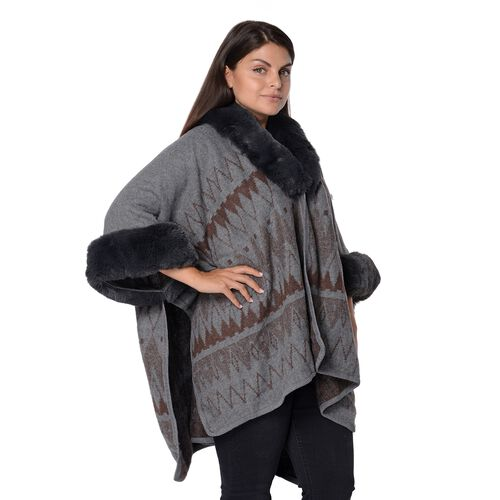 Rhombus Pattern Blanket Wrap with Faux Fur Collar and Sleeves (Size 79x107 Cm) - Grey and Brown Grey