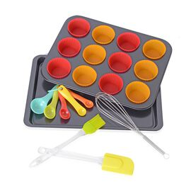18 Pcs Stainless Steel Bakery Set - 12 Cup Muffin Pan, 1 Cookie Pan, 5 Measuring Spoon, 12 Silicone Muffin Cup, 1 Eggbeater, 1 Silicone Scraper, 1 Silicone Brush.