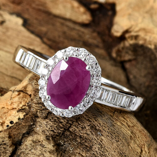 ILIANA 18K White Gold AAA Burmese Ruby (Ovl 1.60 Ct) Diamond (SI/G-H) Ring 2.000 Ct.