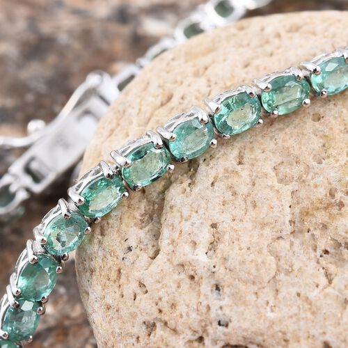 9K White Gold AA Boyaca Colombian Emerald (Ovl) Tennis Bracelet (Size 7) 6.250 Ct.