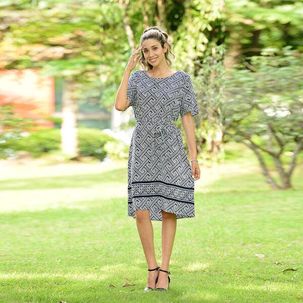 LA MAREY Viscose Fret Pattern Short Sleeve Dress (Size S / 100x48Cm) - Navy and White
