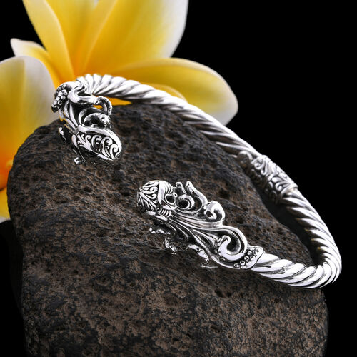 Royal Bali Collection Black Onyx (Rnd) Octopus Bangle (Size 7.5) in Sterling Silver.Silver Wt 23.00 Gms
