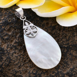 Royal Bali Collection Mother of Pearl Drop Pendant in Sterling Silver