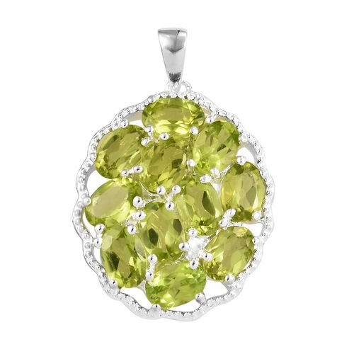 Hebei Peridot (Ovl) Cluster Pendant in Sterling Silver 5.500 Ct.