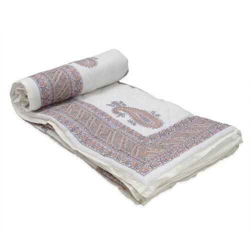 Cotton and Fibre Multi Colour Paisley Pattern White Colour Quilt (Size 274 x223 Cm)